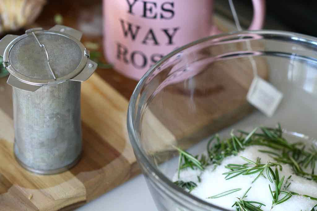 Rosemary Ginger Salt Bath